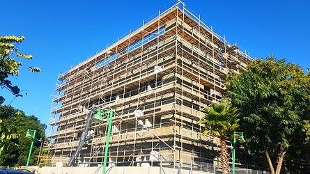 עבודות טיח חיצוני לבניין ציבורי