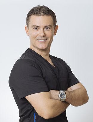 Doctor-Valderrama-odontologo.jpg