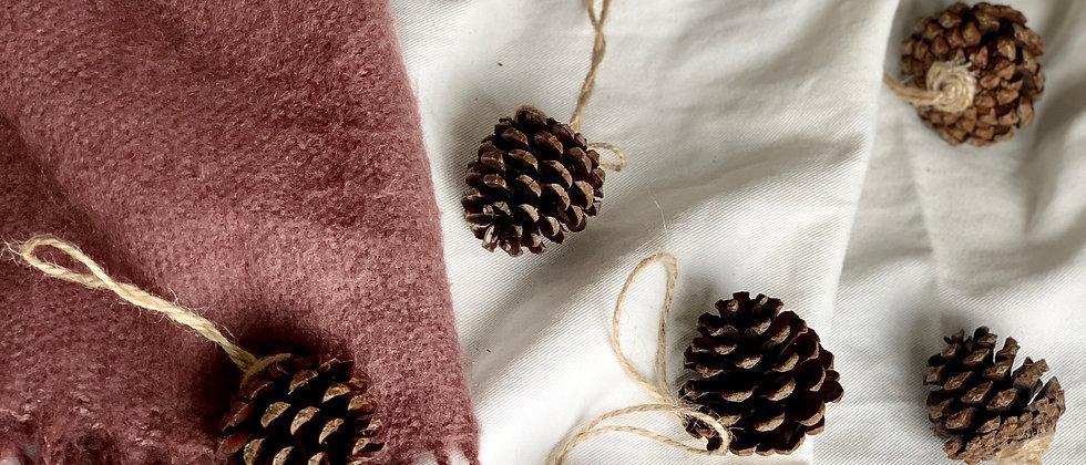 Hangable Natural Pine Cones Decoration