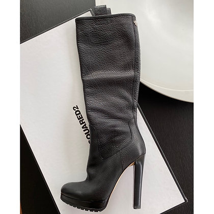 """""""Dsquared2"""" boots"""