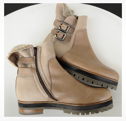 """AGL"" boots"