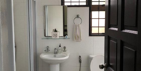 common bath (2nd flr).png