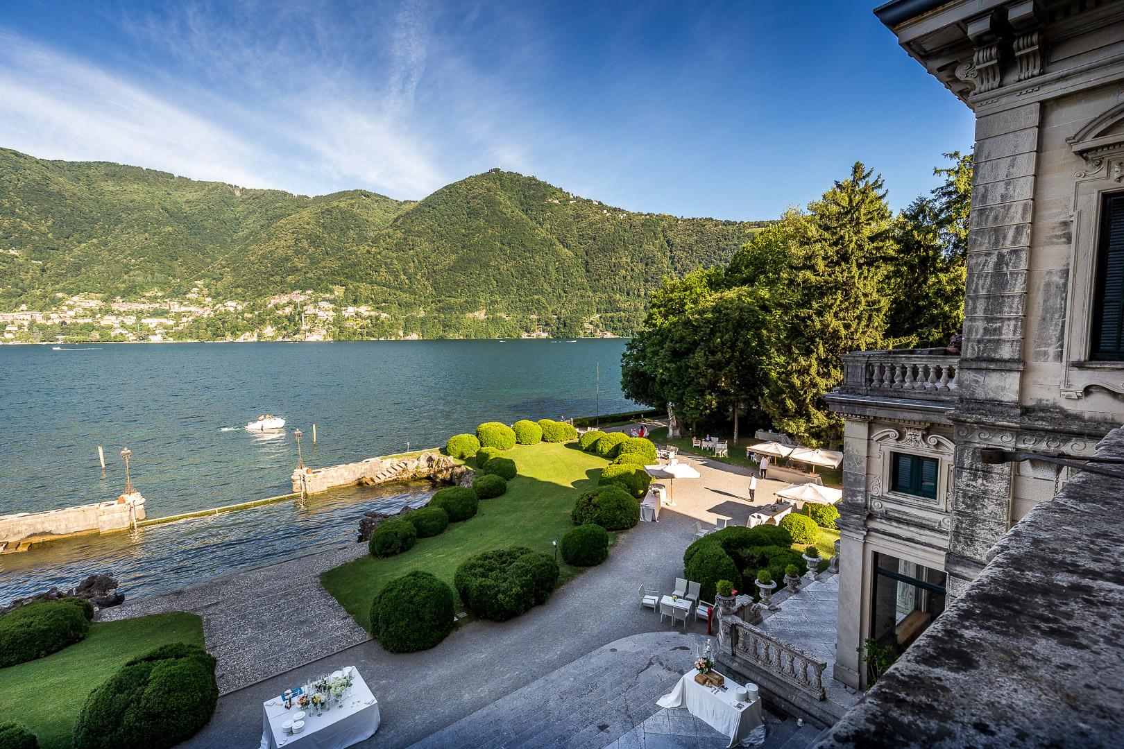 Como Lake Villa