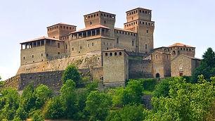 Castello-Torrechiara.jpg