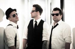 1FM Band