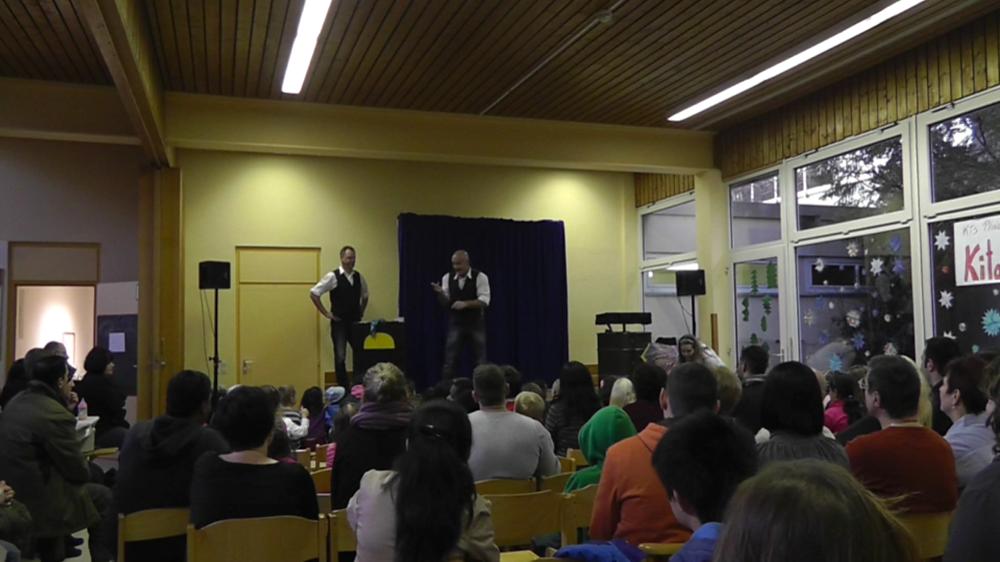 Kindermitlachzaubershow 2013-01.png