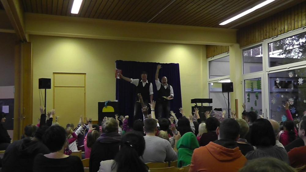Kindermitlachzaubershow 2013-02.png