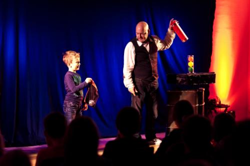 Kindermitlachzaubershow 2013