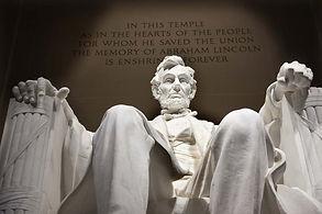 Abraham-Lincoln-Statue.jpg