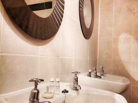 Top Bathroom 1.jpeg