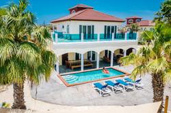 Deluxe Five Bedroom Villa & Pool