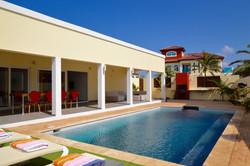 Modern Four Bedroom & Pool