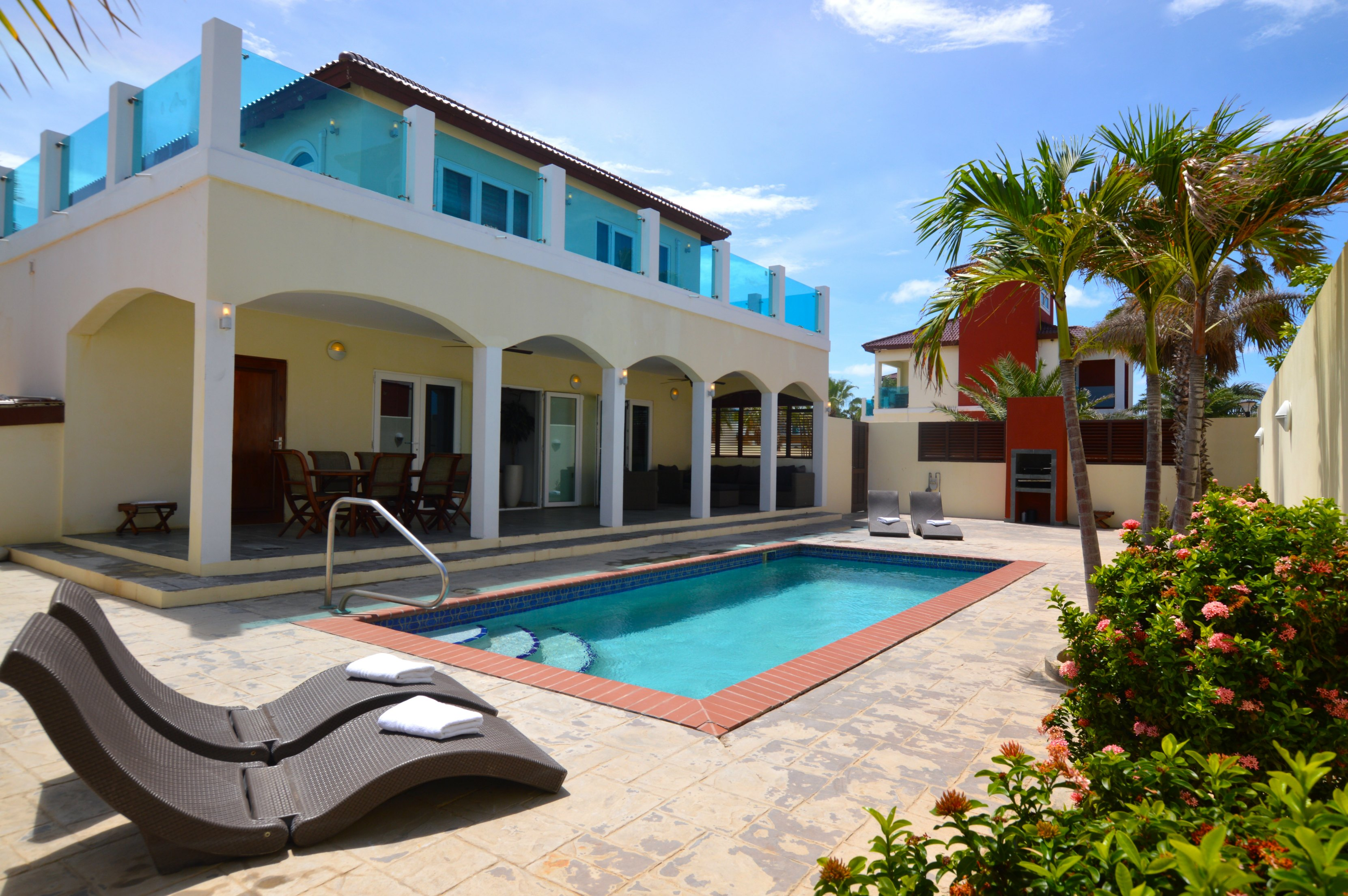 Deluxe Five Bedroom Villa with Pool