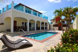 Deluxe Five Bedroom Villa with Pool