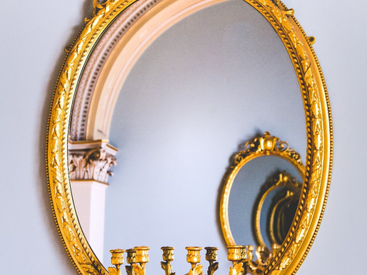 Et si votre miroir se moquait de vous !