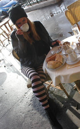 black-and-white-striped-tights-women-malka-chic.