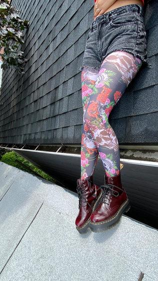 black-skull-roses-goth-tights-malka-chic.jpg
