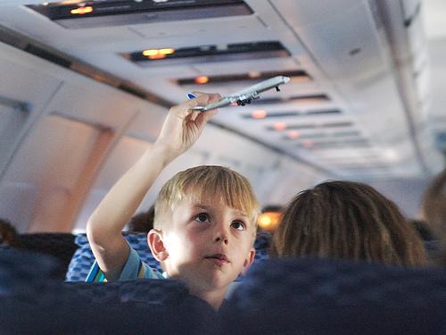 direitos crianças avião
