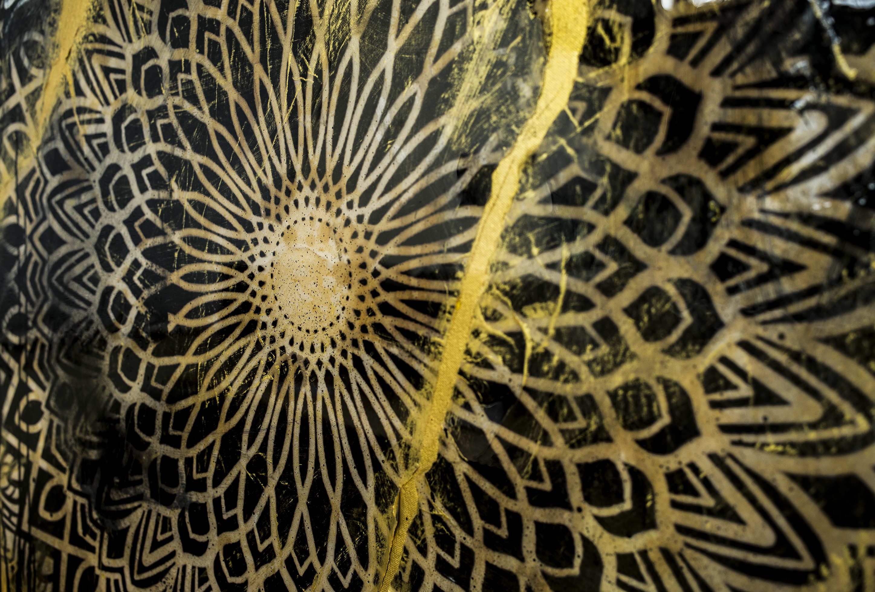 GOLD MANDALA DETAIL