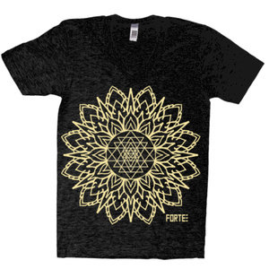 Sri Yantra black V-neck *sold out*