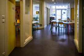Locaux RDC Site Schlumberger petites salles pour le travail en groupe