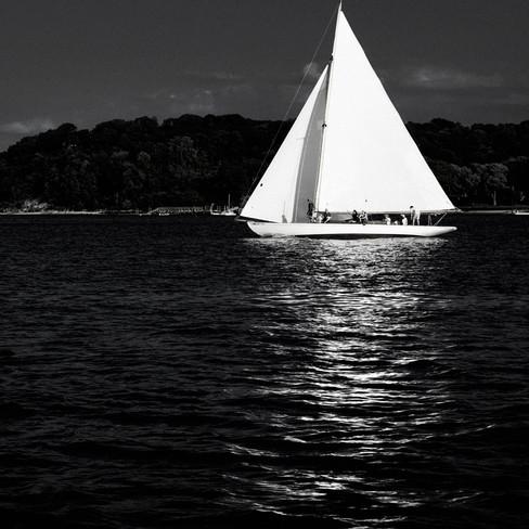 0004_Classic Yacht3bw.small.jpg