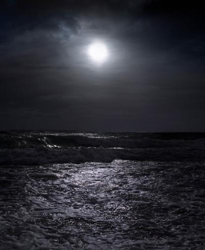 0017_Full Moon Rise. Palm Beach. Dec 27.