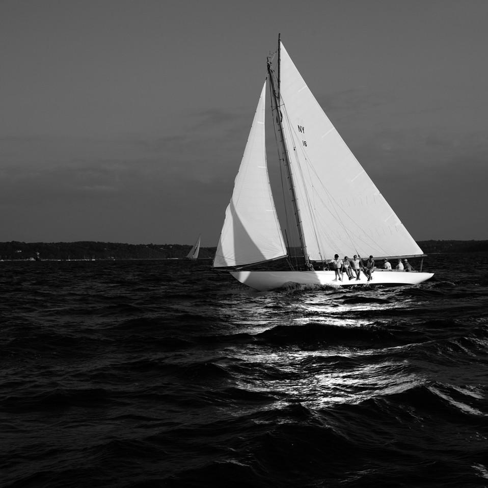 0008_Classic Yacht6bwsmall.jpg