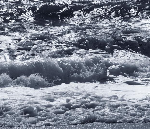 0019_Waves V Nantucket.jpg