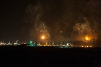 0050_Gas Flares. Qatar. 2008.small.jpg