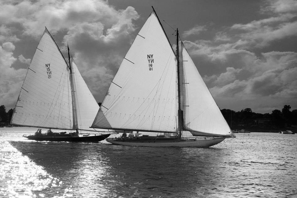 0001_Classic Yacht5bw.small.jpg