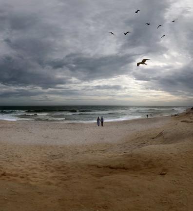 0011_Lovers.Windy Day.Ocean beach. Nantu