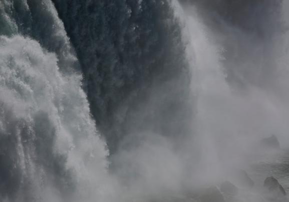 0006_Niagara Flows1.small.jpg