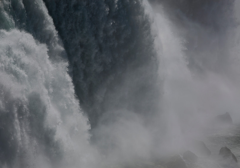 0006_Niagara Flows1.small.jpg