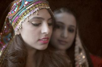 0025_Ahmaddiya Sisters. small.jpg