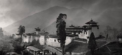 0034_Tongsa Dzong.b.w.small.jpg