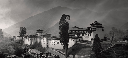 0034_Tongsa Dzong.b.w.small.jpg