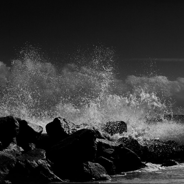0015_Wave Crash1b.w.medium.jpg