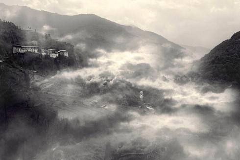 0059_East and West Collide.Tongsa Dzong.