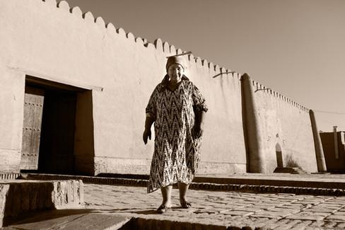 0026_Lovely Khiva Woman.jpg