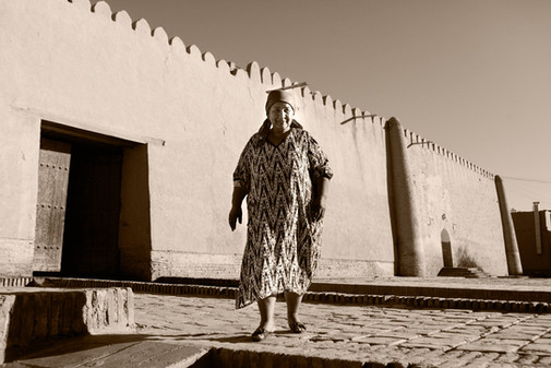 0026_Lovely Khiva Woman.jpg