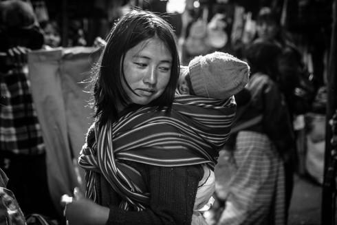 0014_rsz_1mother_and_child_thimpu_bhutan