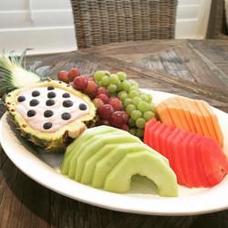 Fresh fruit w/ blueberry lemon fruit dip