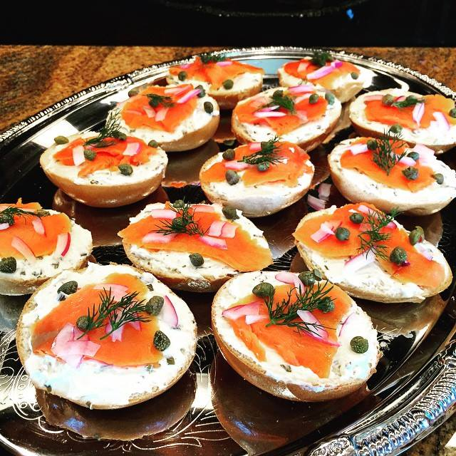 Miniature bagels, lox & cream cheese