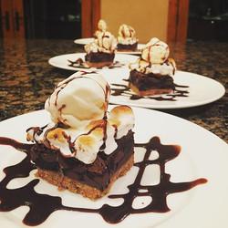 S'mores brownies À la mode