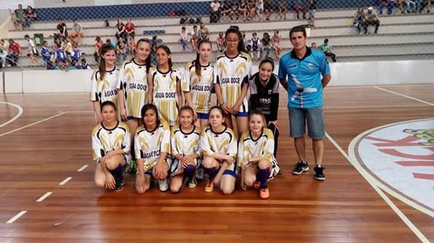 Regional de Futsal  Divisões de base de Água Doce se dão bem contra ... 51366e9018331