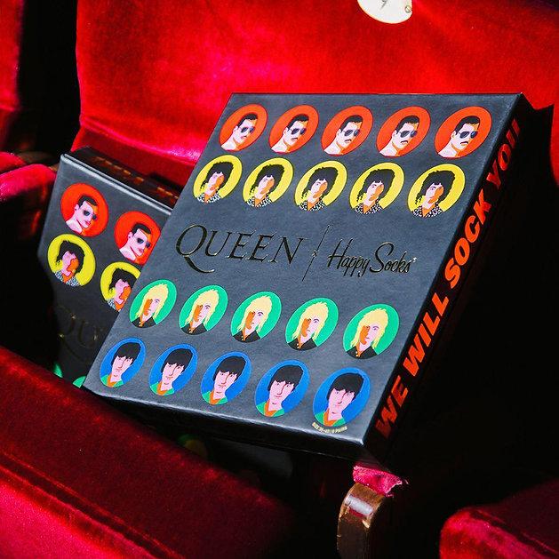 Happy-Socks-x-Queen-6-Pack-Gift-Box-10.j