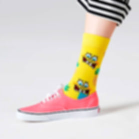 Happy-Socks-x-SpongeBob-Fineapple-in-Sur
