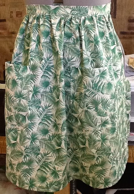 Ferns on tan - half apron