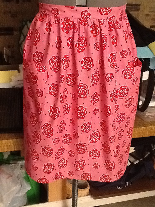 Red roses half apron